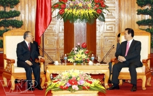 Đái Bỉnh Quốc (trái) & Nguyễn Tấn Dũng (phải)