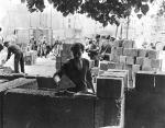 Berlin Wall 2 - Công nhân Đông Đức xây Bức tường ngày 13 tháng 8 1961